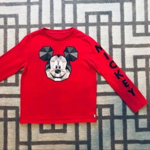 Disney licensed Gap Red Shirt Size Small 6 - 7